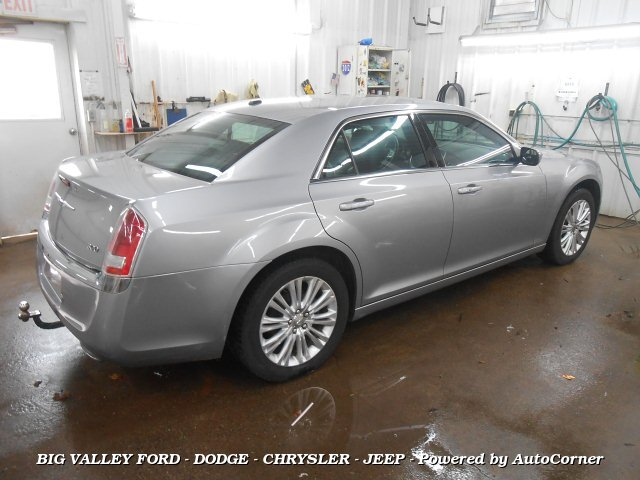2014 Chrysler 300 AWD 8-Speed Automatic